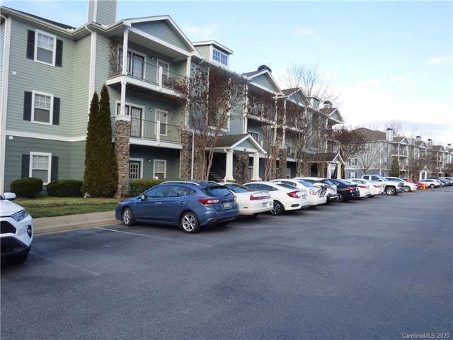 700 Vista Lake Drive #104, Candler, NC 28715 (#3586064) :: Miller Realty Group