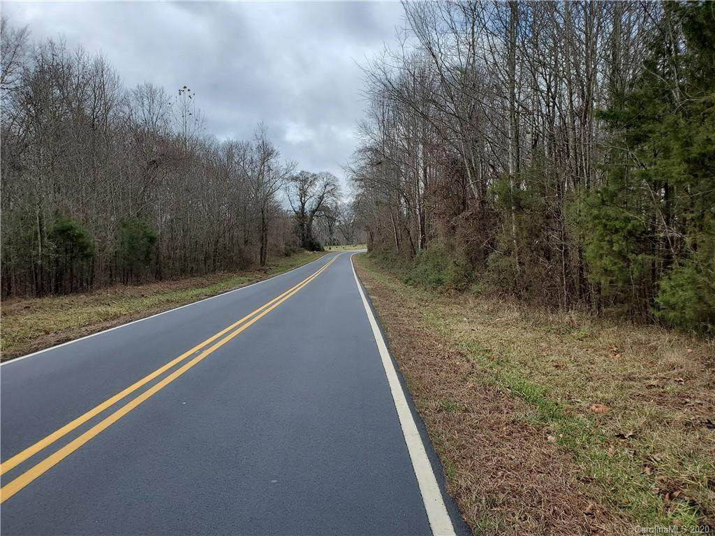 2740 Wyo Road, Yadkinville, NC 27055 (#3586109) :: Mossy Oak Properties Land and Luxury