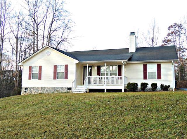 1712 Running Deer Drive NW, Conover, NC 28613 (#3586134) :: Carlyle Properties
