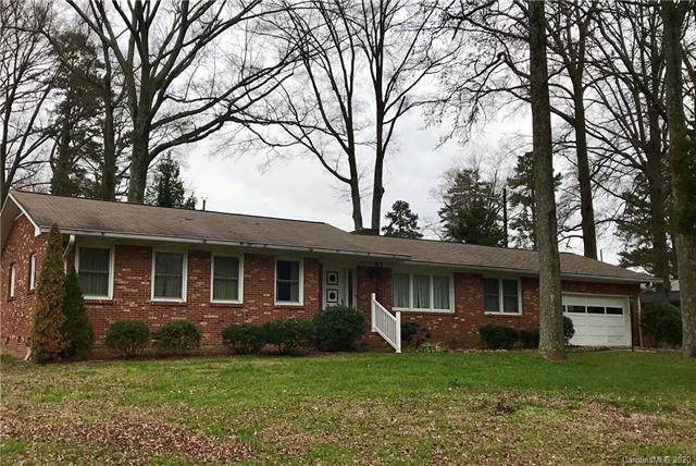 6711 Pawnee Drive, Charlotte, NC 28214 (#3586306) :: Scarlett Property Group