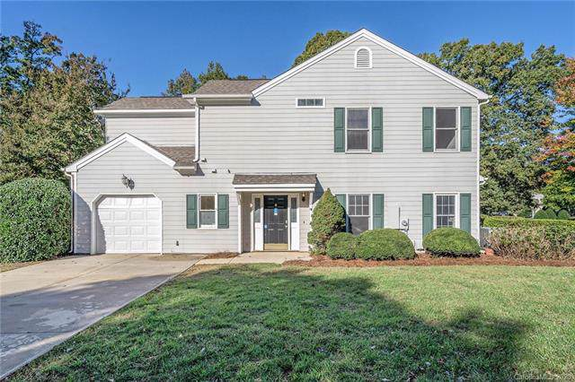 8604 Fox Chase Lane, Charlotte, NC 28269 (#3586713) :: Scarlett Property Group