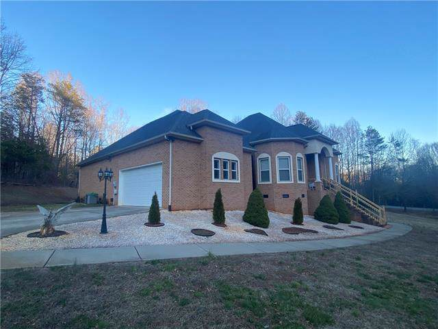 6054 Willowbottom Road #1, Hickory, NC 28602 (#3587221) :: Caulder Realty and Land Co.