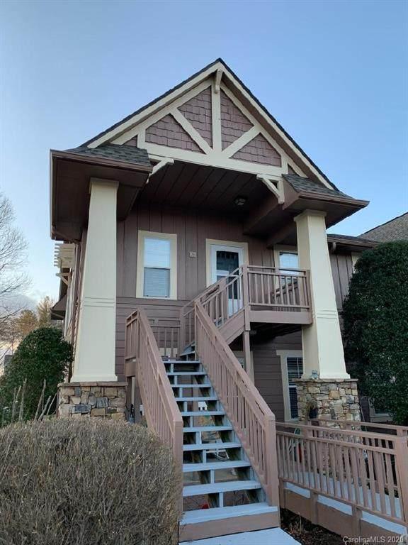 902 Deermouse Way, Hendersonville, NC 28792 (#3589894) :: Rowena Patton's All-Star Powerhouse