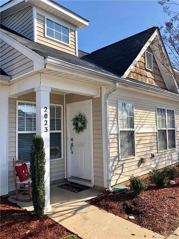 2023 Shady Pond Drive, Lake Wylie, SC 29710 (#3594573) :: Roby Realty