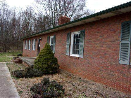 436 Old Nc 90 Highway, Taylorsville, NC 28681 (#3604306) :: Rowena Patton's All-Star Powerhouse