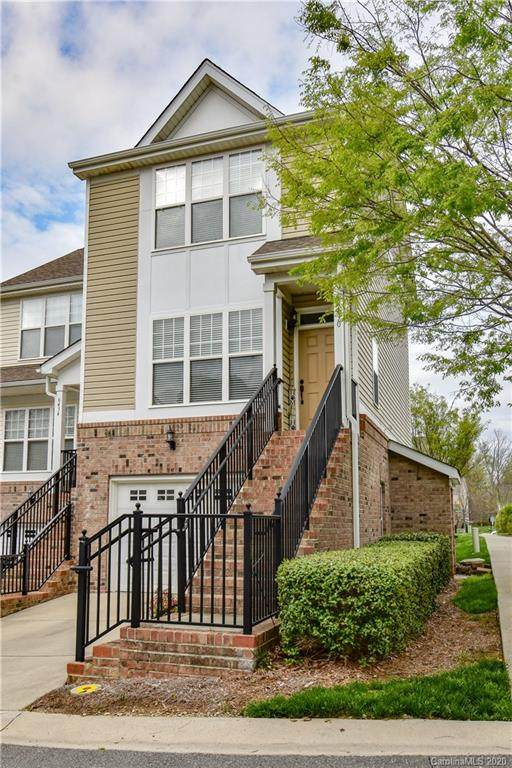6430 Terrace View Court, Charlotte, NC 28269 (#3605767) :: The Ramsey Group