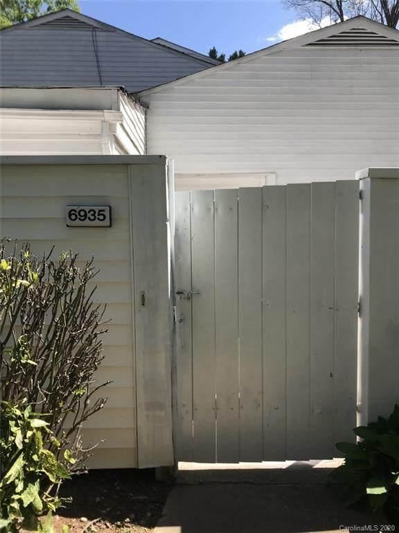 6935 Stonington Lane #18, Charlotte, NC 28227 (#3605965) :: Cloninger Properties