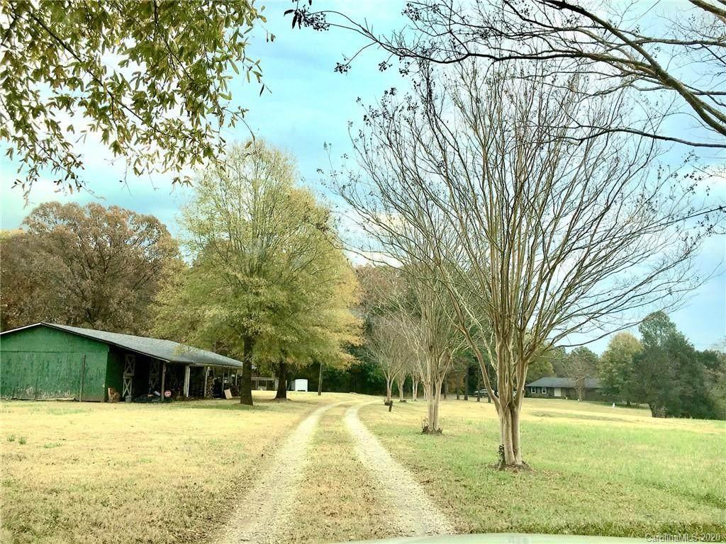 4005 Trails End Drive - Photo 1