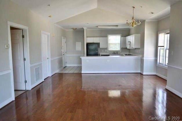 8971 Meadow Vista Road, Charlotte, NC 28213 (#3609555) :: Mossy Oak Properties Land and Luxury