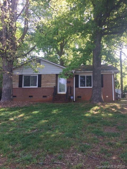 705 Ranch Road, Charlotte, NC 28208 (#3611078) :: Charlotte Home Experts