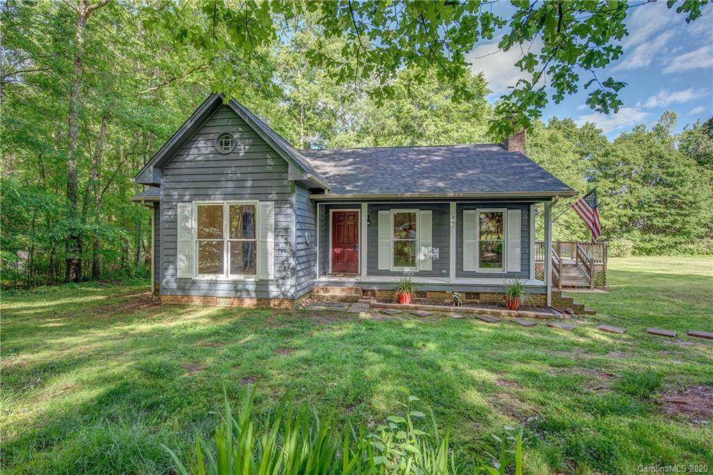 2953 Misty Hill Road - Photo 1