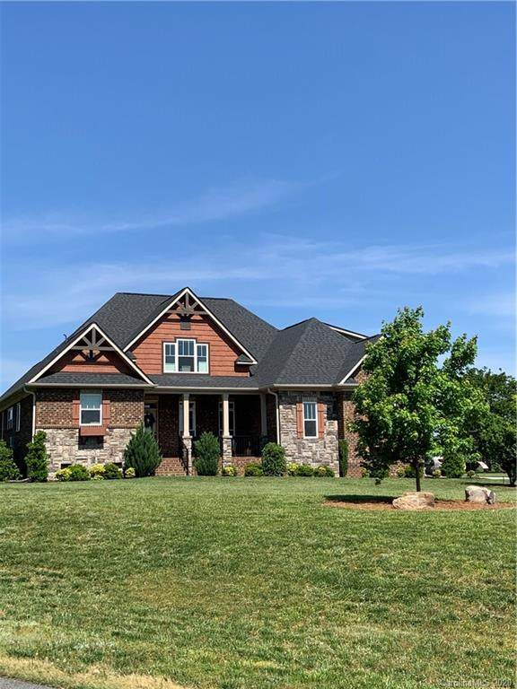 2832 Smith Field Drive, Monroe, NC 28110 (#3617523) :: Zanthia Hastings Team