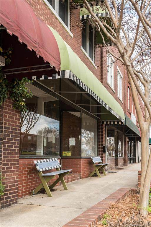 516 Salisbury Avenue - Photo 1