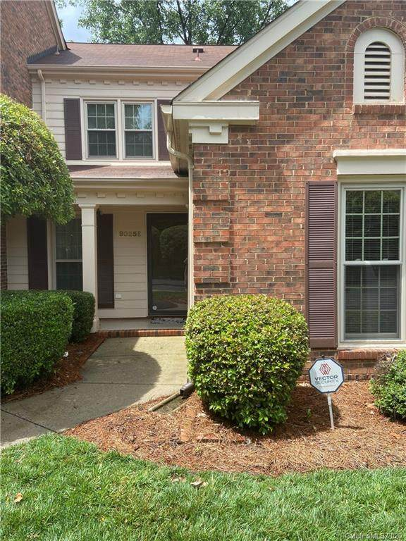 9025 Providence Colony Drive E, Charlotte, NC 28277 (#3622178) :: IDEAL Realty