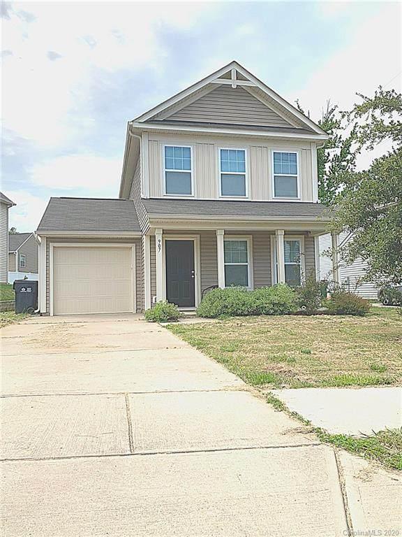 907 Harrier Road, Charlotte, NC 28216 (#3622357) :: MartinGroup Properties