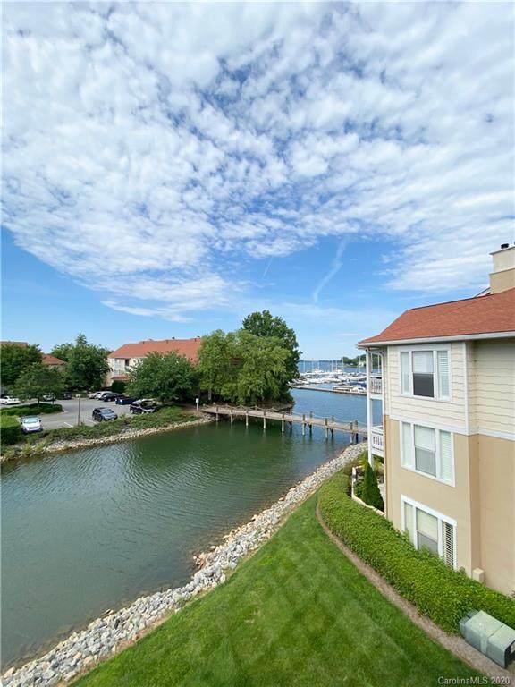 18009 Kings Point Drive C, Cornelius, NC 28031 (#3635946) :: Robert Greene Real Estate, Inc.