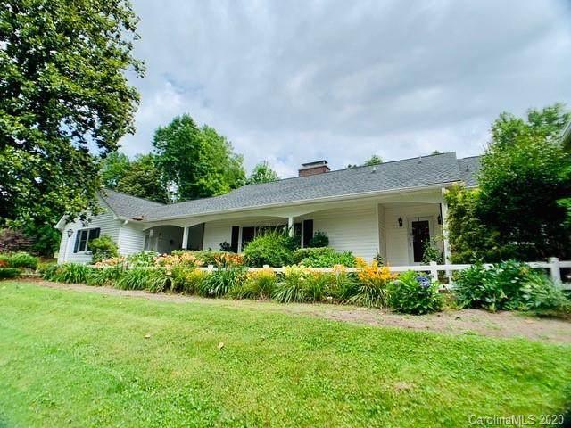 208 N Overlook Terrace, Hendersonville, NC 28739 (#3637035) :: Rowena Patton's All-Star Powerhouse