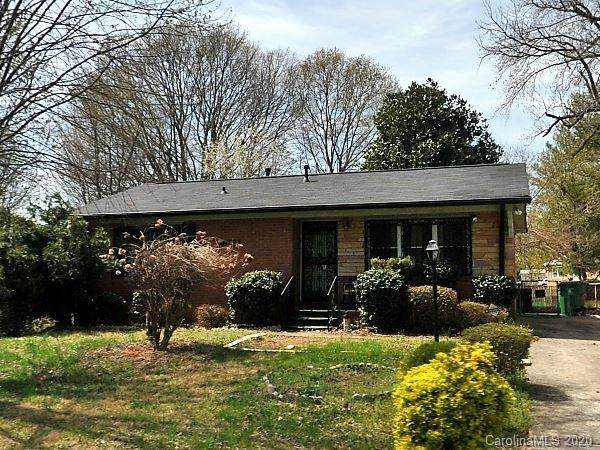 9621 Feldbank Drive, Charlotte, NC 28216 (#3638215) :: Robert Greene Real Estate, Inc.