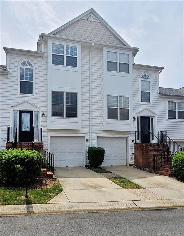 2833 Avalon Loop Road, Charlotte, NC 28269 (#3639088) :: MartinGroup Properties