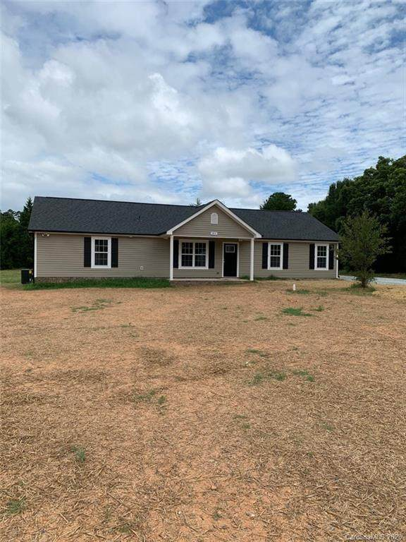 3018 SE Potter Road, Waxhaw, NC 28173 (#3639169) :: LePage Johnson Realty Group, LLC