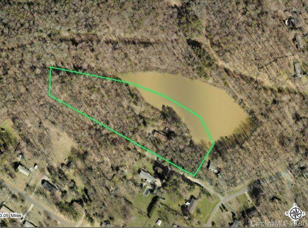 8300 Tuckalake Drive, Charlotte, NC 28215 (#3644313) :: Robert Greene Real Estate, Inc.