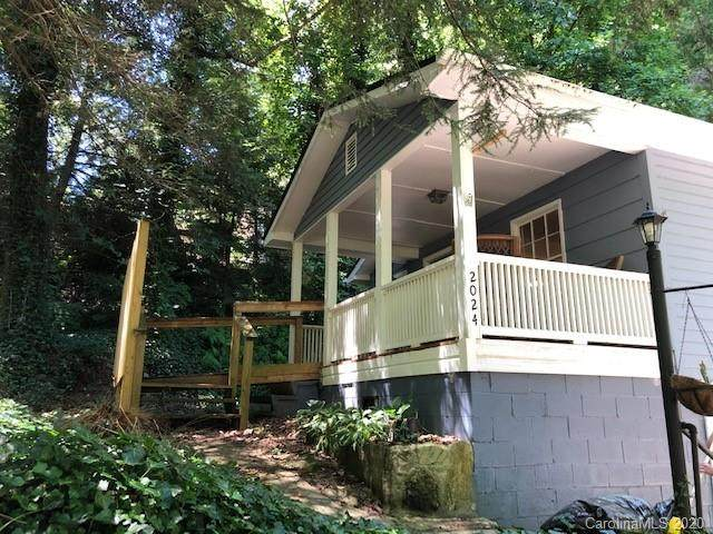 2024 Lower Ridgewood Boulevard, Hendersonville, NC 28791 (#3647684) :: LePage Johnson Realty Group, LLC