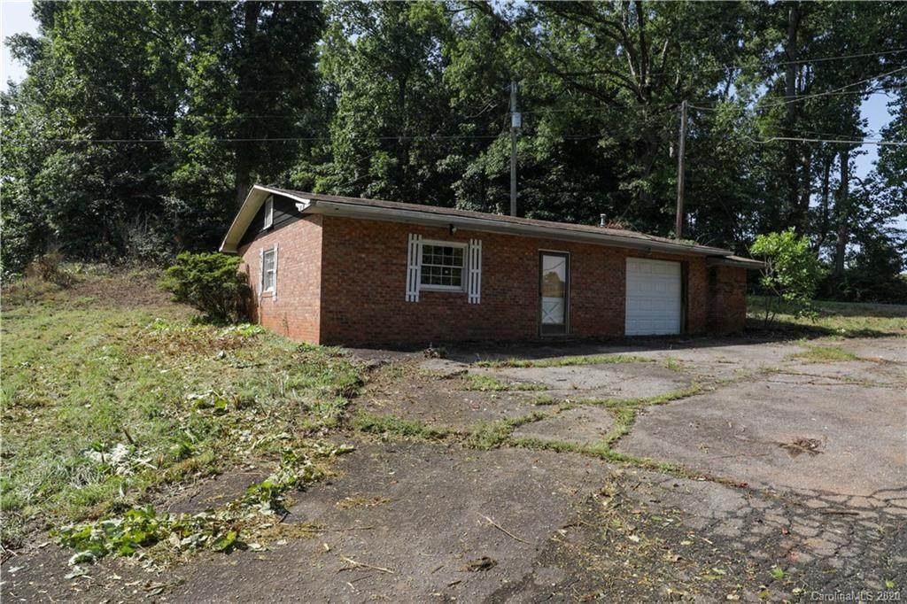 2315 Wilkesboro Highway - Photo 1