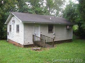 633 Tennyson Drive, Charlotte, NC 28208 (#3656633) :: Johnson Property Group - Keller Williams