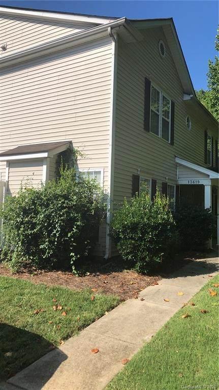 13619 Pinyon Pine Lane, Charlotte, NC 28215 (#3660397) :: Rinehart Realty