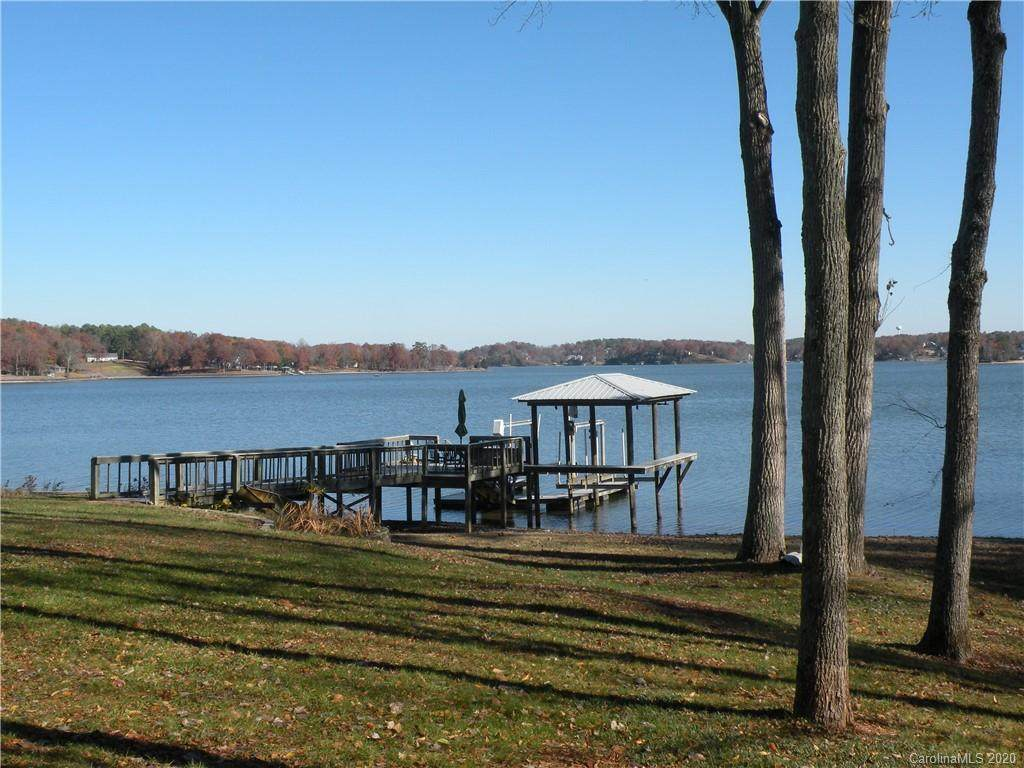 4572 Wood Duck Point - Photo 1