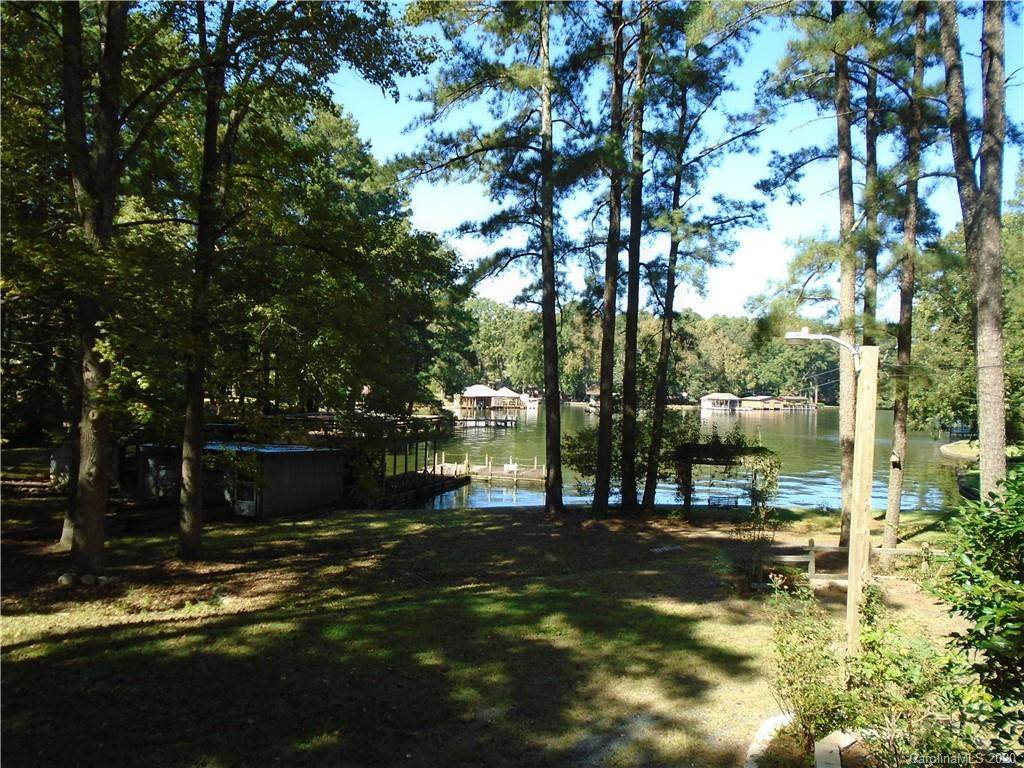48953 Piney Point Road - Photo 1