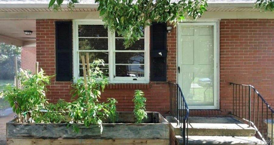 336 Barnes Street - Photo 1