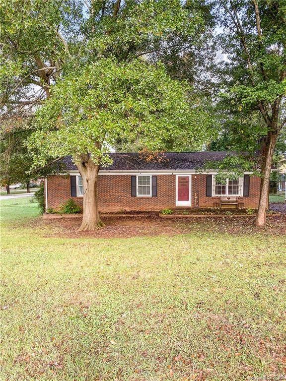 3021 Briarwood Lane, Gastonia, NC 28056 (#3673036) :: Carver Pressley, REALTORS®