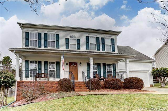 12122 Autumn Winds Lane, Pineville, NC 28134 (#3676339) :: SearchCharlotte.com