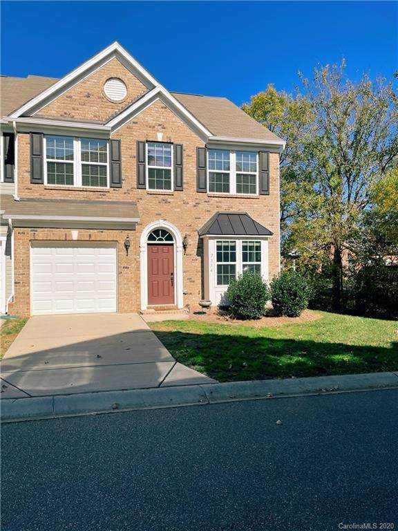 7334 Gallery Pointe Lane, Charlotte, NC 28269 (#3676682) :: The Mitchell Team