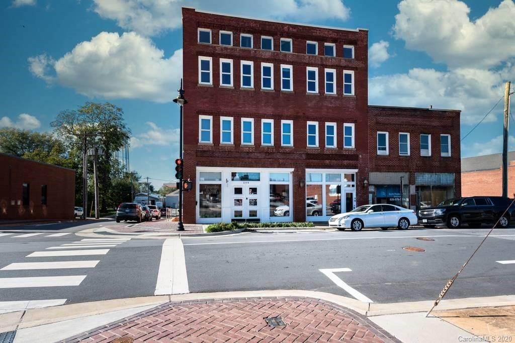 200 N Main Avenue - Photo 1