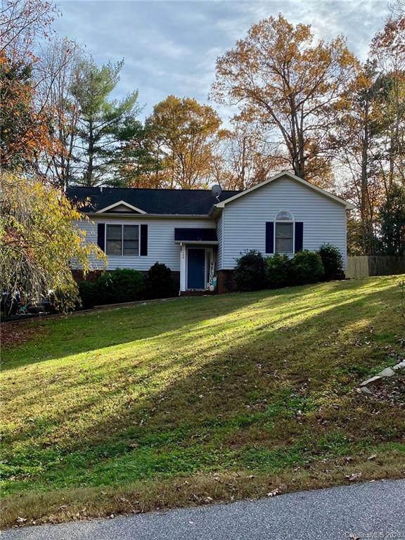 120 Forest Oaks Lane, Hickory, NC 28601 (#3680436) :: Puma & Associates Realty Inc.