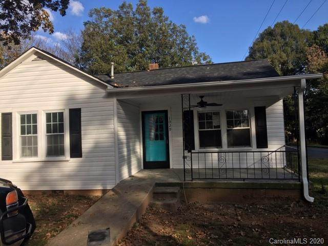 1029 Old Charlotte Road - Photo 1