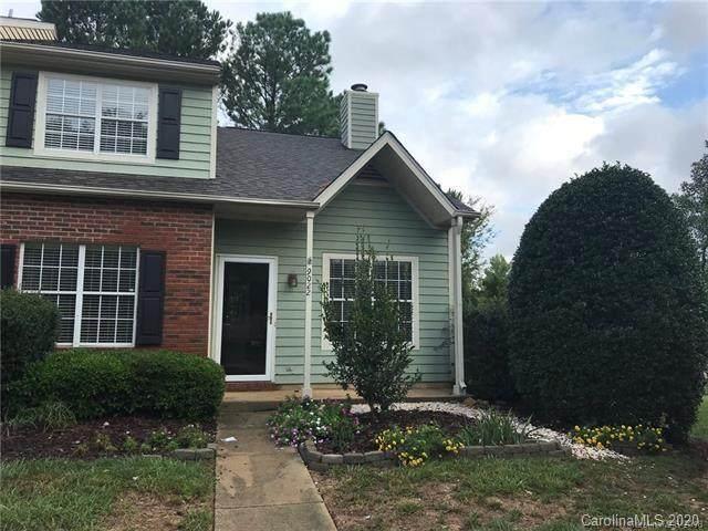 9022 Four Mile Creek Road, Charlotte, NC 28277 (#3687474) :: Willow Oak, REALTORS®