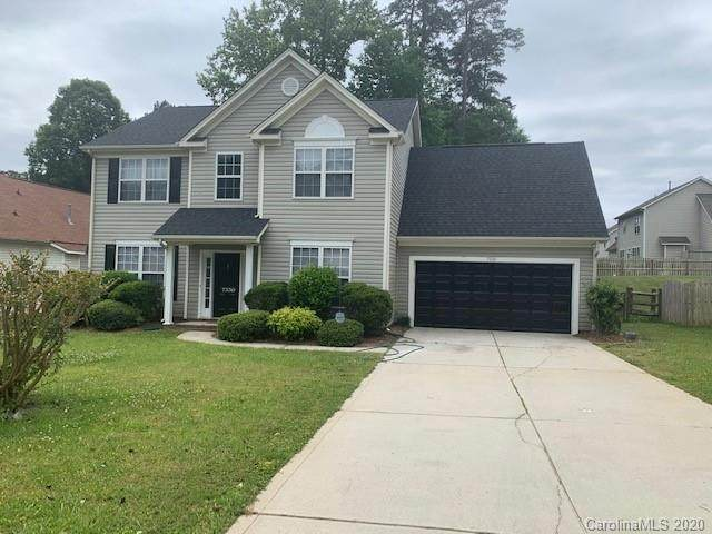 7330 Claiborne Woods Road, Charlotte, NC 28216 (#3688923) :: Burton Real Estate Group