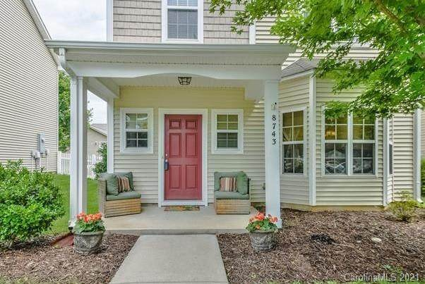 8743 Westwind Point Drive, Cornelius, NC 28031 (#3698573) :: BluAxis Realty