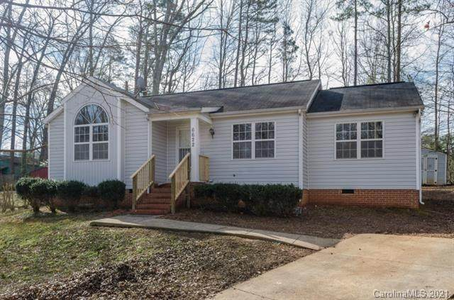 6622 Cool Water Court, Charlotte, NC 28215 (#3698593) :: LePage Johnson Realty Group, LLC