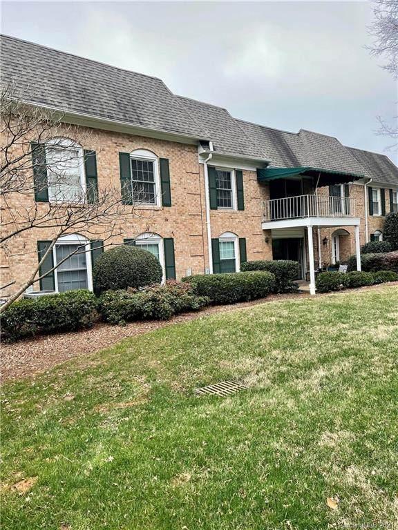 8308 Meadow Lakes Drive, Charlotte, NC 28210 (#3698894) :: Puma & Associates Realty Inc.