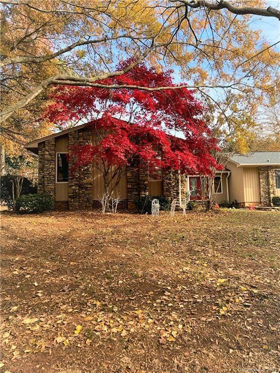 1012 Colony Court, Gastonia, NC 28056 (#3699226) :: LePage Johnson Realty Group, LLC