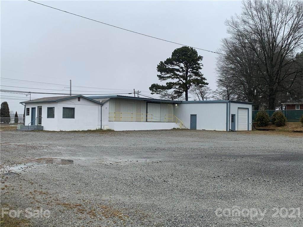 11480 Statesville Boulevard - Photo 1
