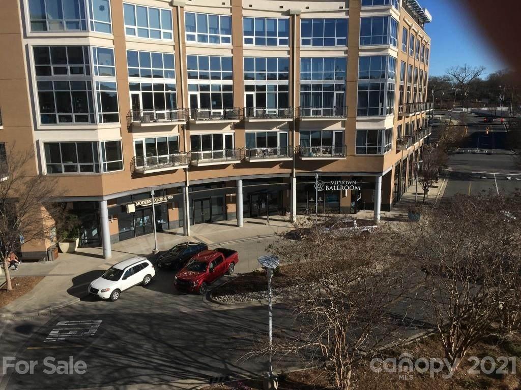 1133 Metropolitan Avenue - Photo 1