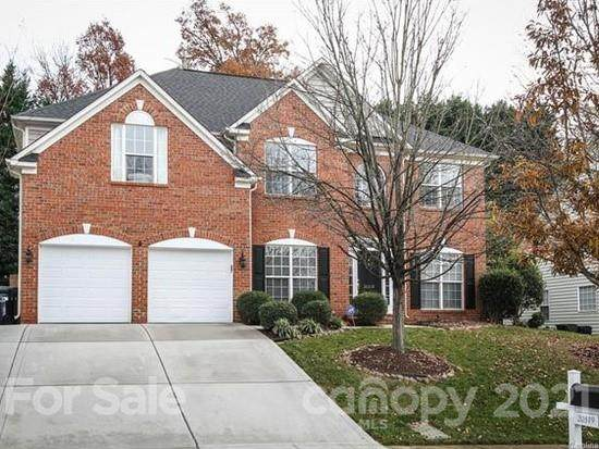 20319 Southshore Drive, Cornelius, NC 28031 (#3703599) :: Home and Key Realty