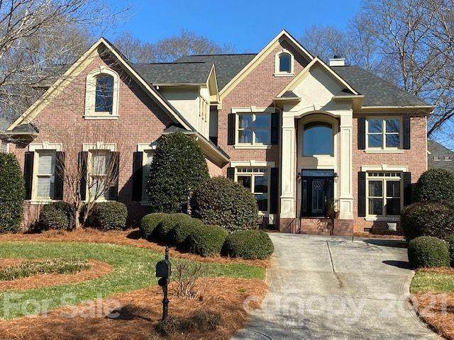 8713 Woodmere Crossing Lane, Charlotte, NC 28226 (#3703899) :: MOVE Asheville Realty