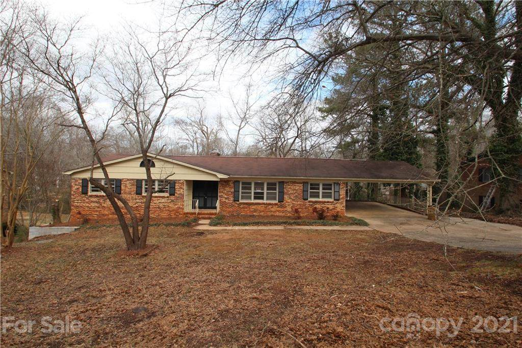 910 Surry Drive - Photo 1