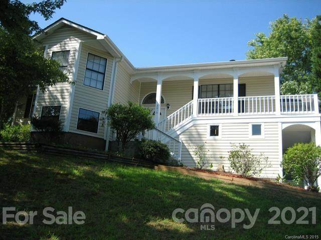2815 Bustlehead Court, Charlotte, NC 28262 (#3708986) :: Home and Key Realty